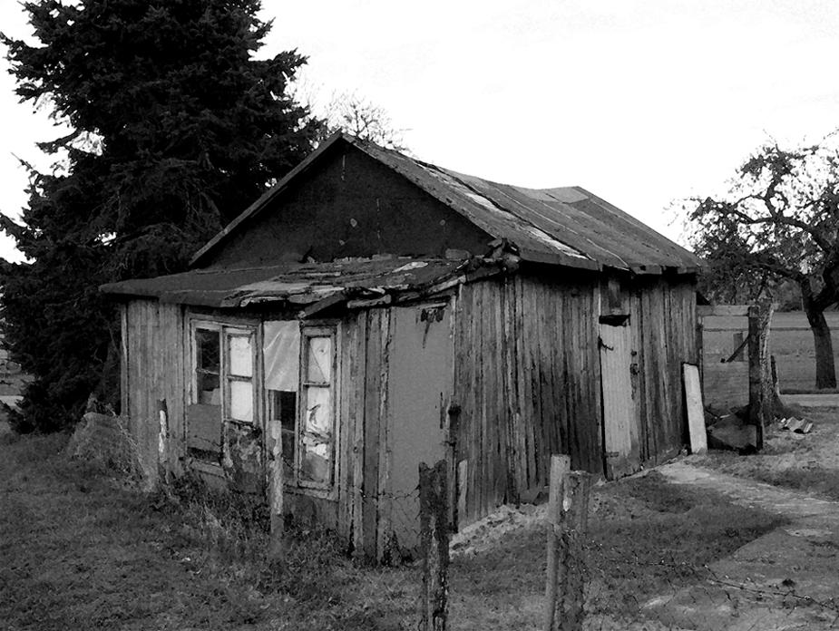 verfallener Stall