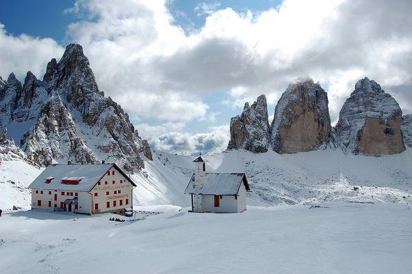 Verfrühter Wintereinbruch auf der Dreizinnenhütte