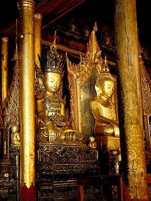 Vergoldete Buddha-Figuren