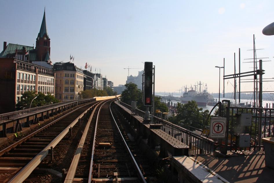 Verkehrshistorischer Tag 2011 - Fahrt am Hamburger Hafen