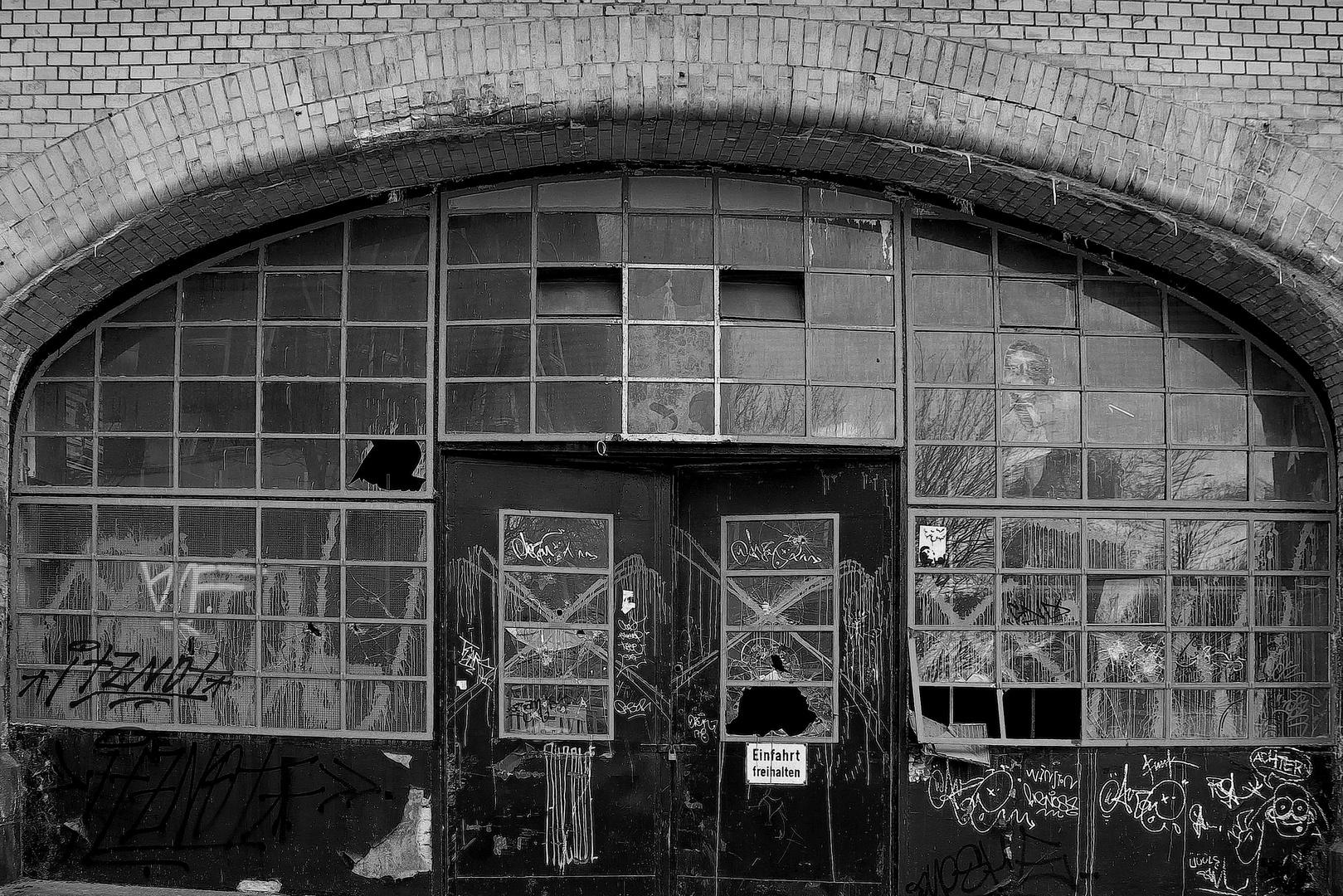 Verlassene Werkstatt an der Oberhafenstrasse in Hamburg