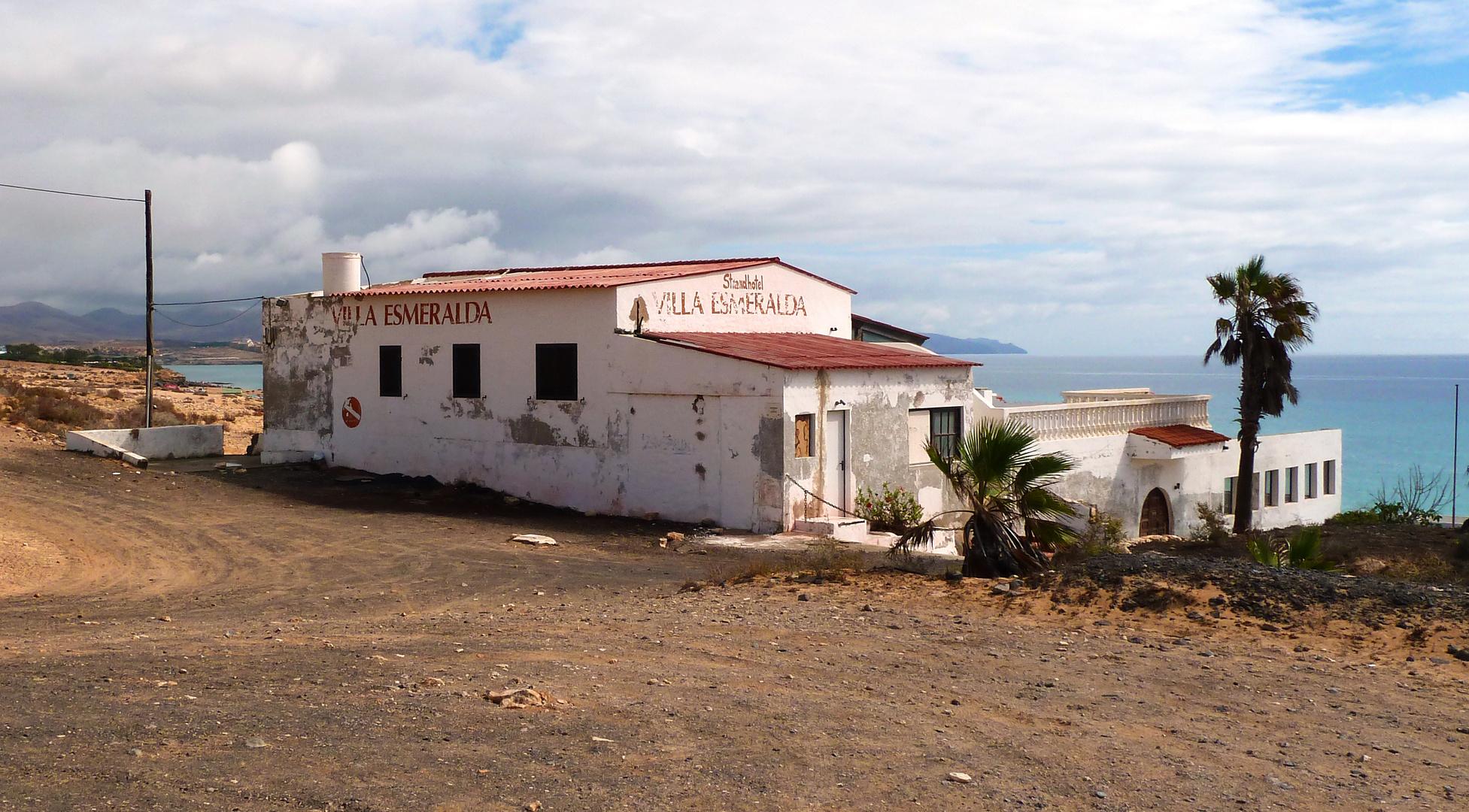 Verlassenes Strandhotel mit Traumblick auf Fuerteventura - Villa Esmeralda (1)