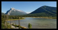 [ Vermillion Lakes und Rundle Mountain ]