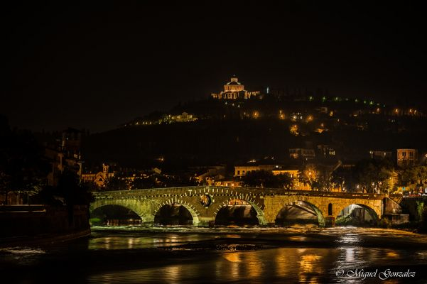 verone by night  ponte di pietra