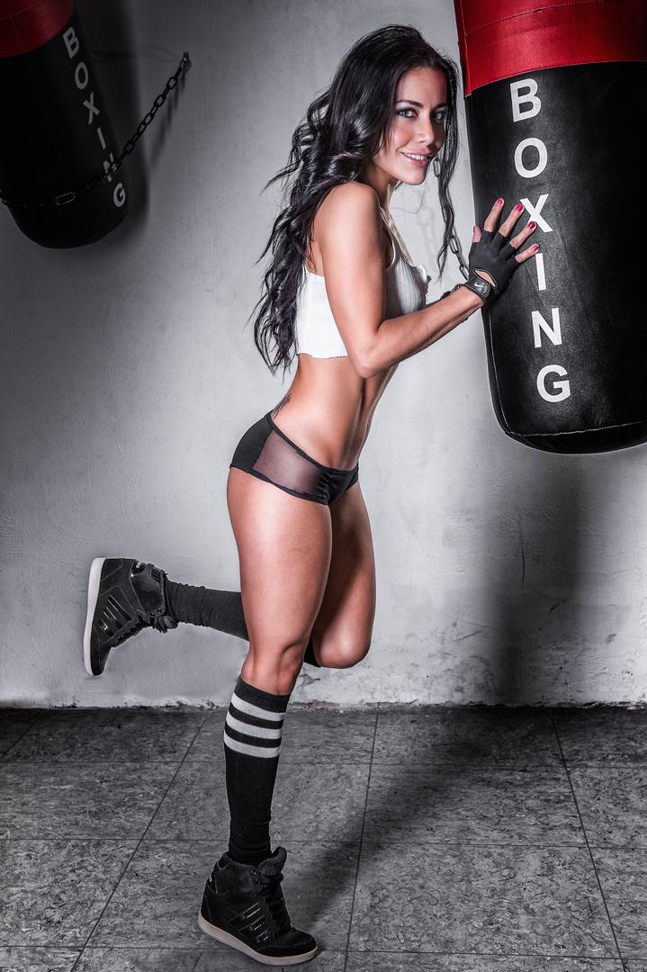 Veronica Boxing 2
