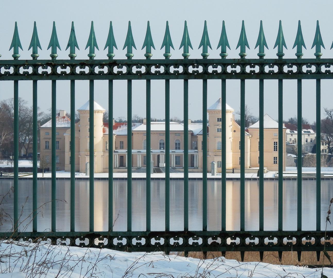 """""""verSCHLOSSen""""    >>    Schloss Rheinsberg"""