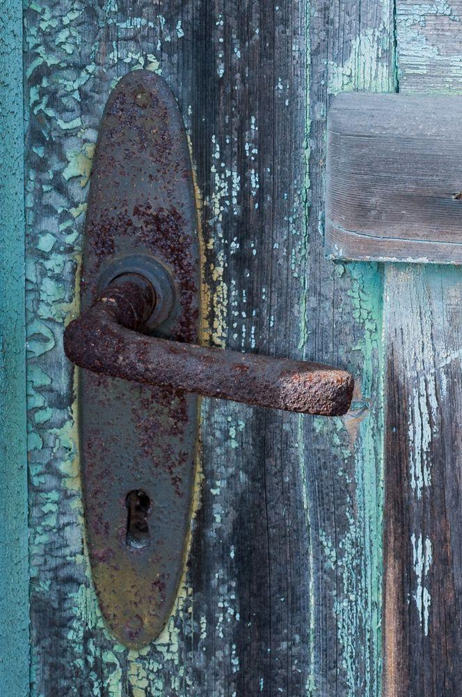 Verschlossene tür  verschlossene Tür Foto & Bild | architektur, lost places, marode ...