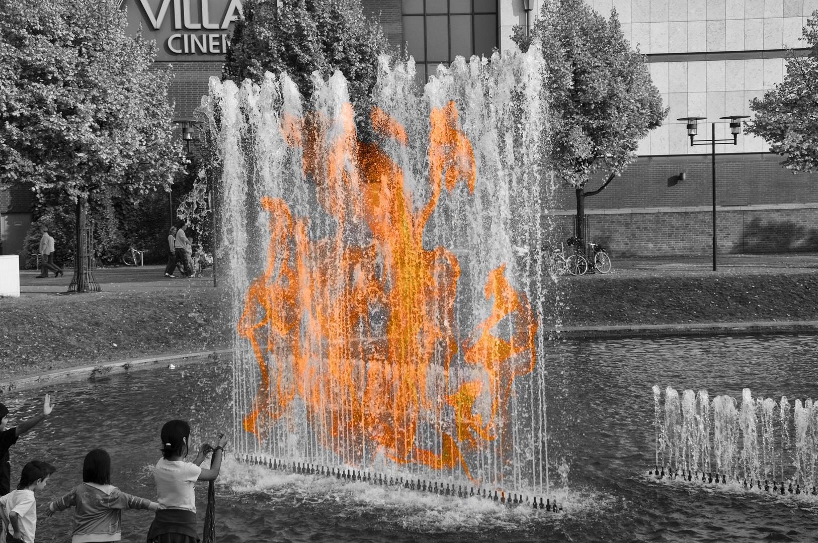 Verschmelzung der Elemente Feuer und Wasser