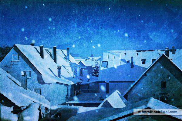 verschneite Dächer