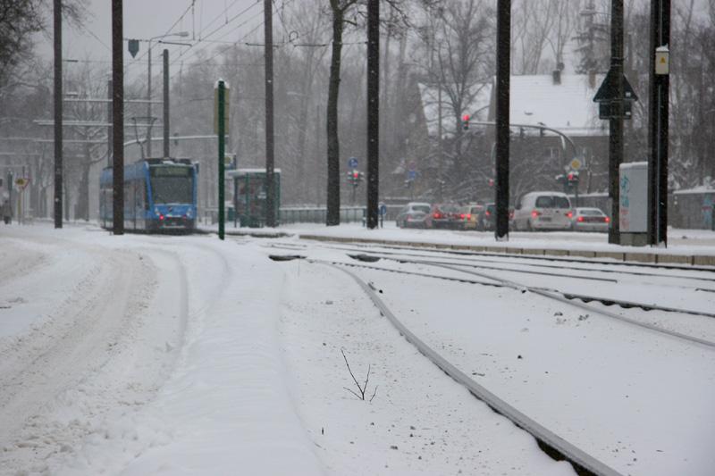 Verschneite Trassen & Strassen
