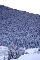 Verschneiter Berg in Oz en Oisans