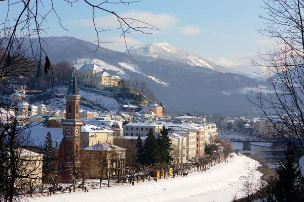 Verschneites Salzburg II