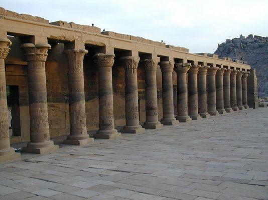 Versetzter Philae-Tempel nahe der Stadt Assuan.