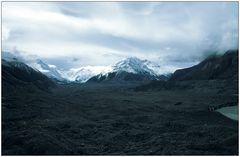 Versteckt unter Geröll: Tasman Glacier