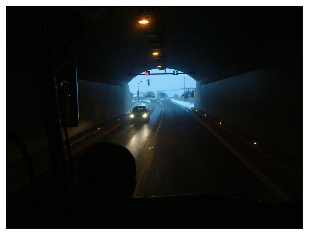 Versuch in einem tunnel zu knipsen - weiter gehts richtung prag
