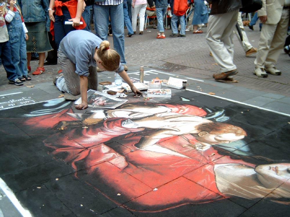 Versunken in Kunst und Kreide