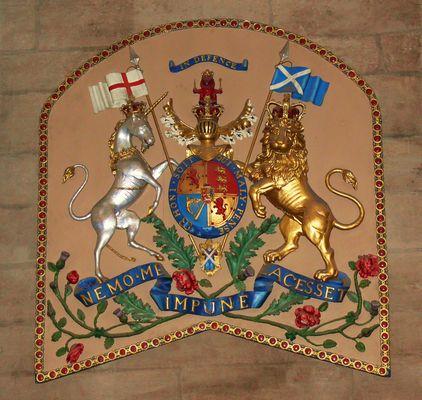 Vertauschte Fahnen in der Glasgow Cathedral ...