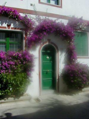 Vertraümte Gasse in Mogan auf Gran Canaria
