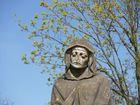Verunstalltet Statue auf einem Weinberg nähe Neckarsulm