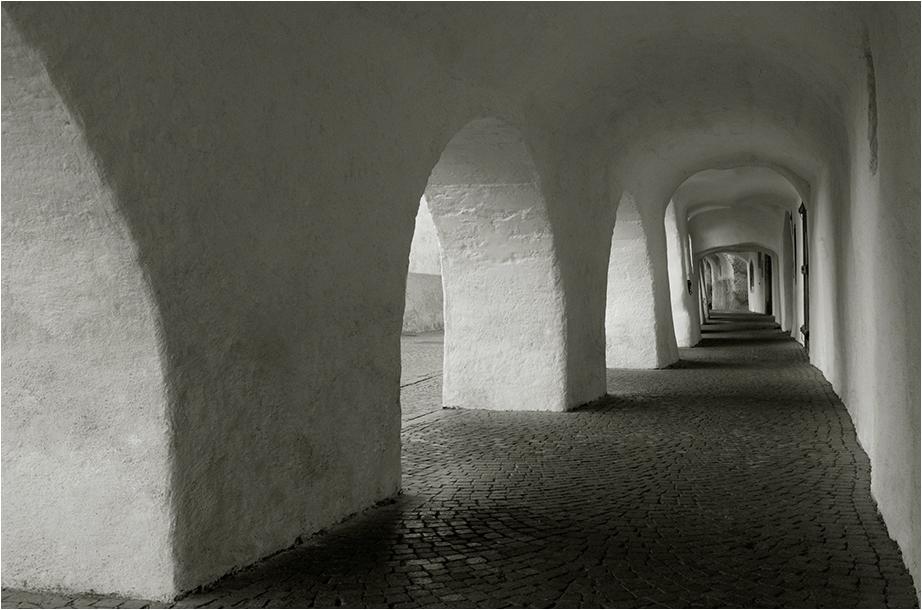 via dei portici - laubengasse