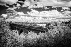 Viadukt mit Blick ins Isergebirge