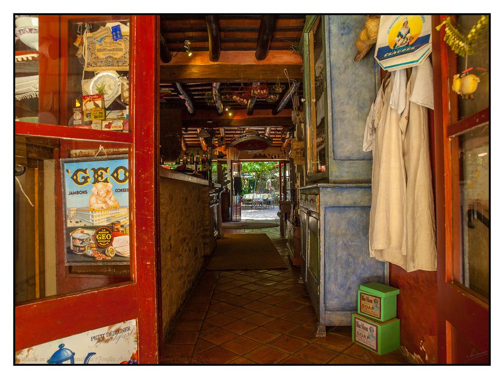 Viajando en el tiempo Peratallada (Forallac Baix Ampordá Girona Catalunya España)