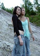 Vicky & Nicki 2