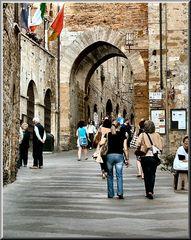 ««Vicolo a San Gimignano»»