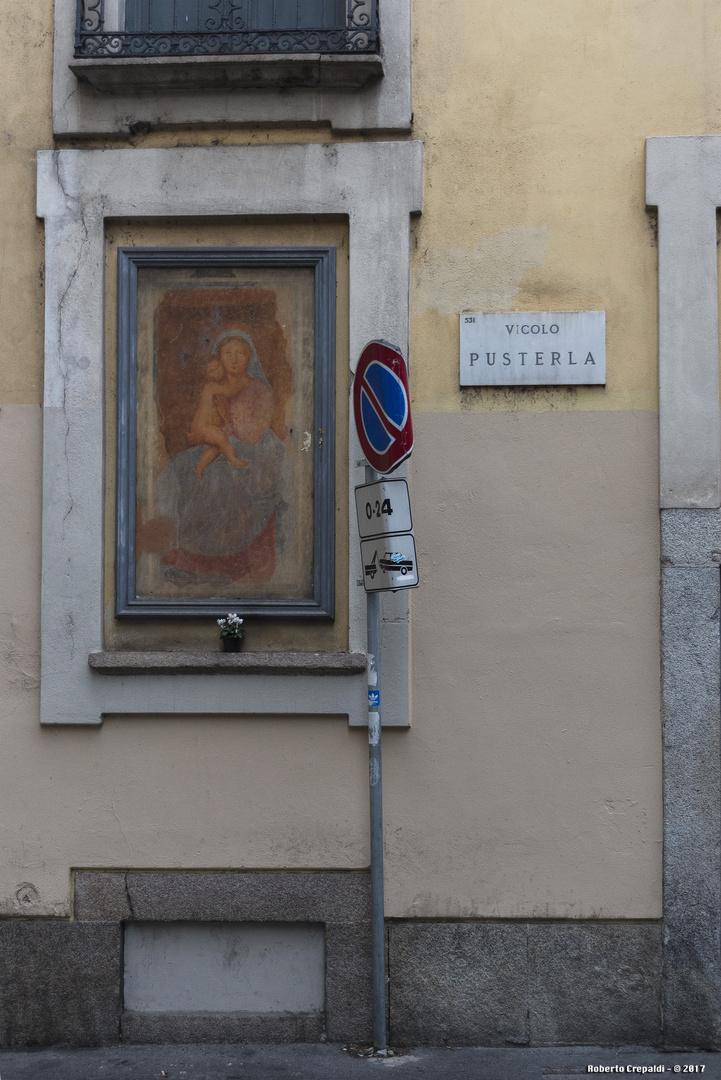 Vicolo Pusterla, Milano