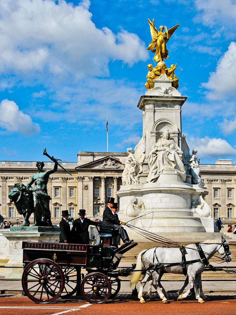 Victoria Monument (2)