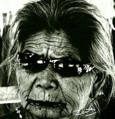 Vieille femme du Laos
