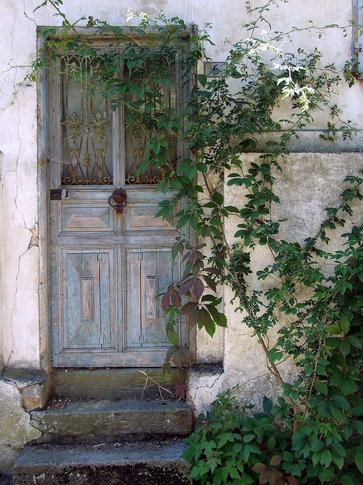 Vieille porte à Gerberoy (Oise)