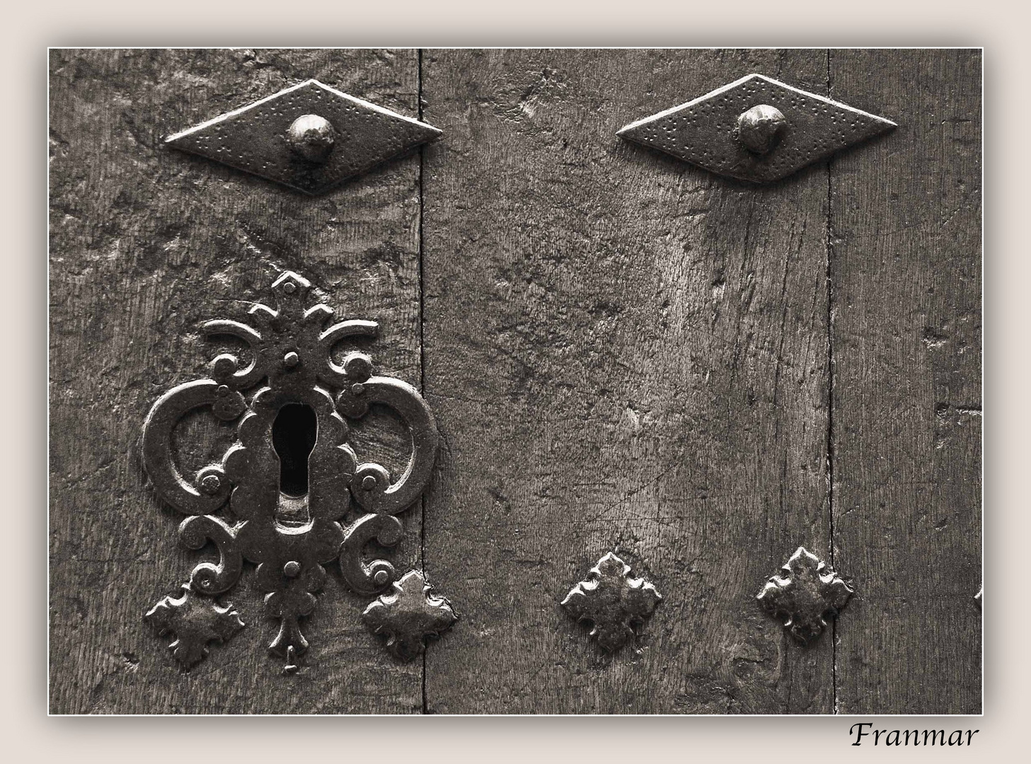 Vieja puerta 3 - (detalle)