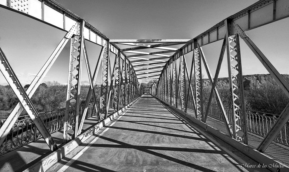 ...viejo puente de Arganda...