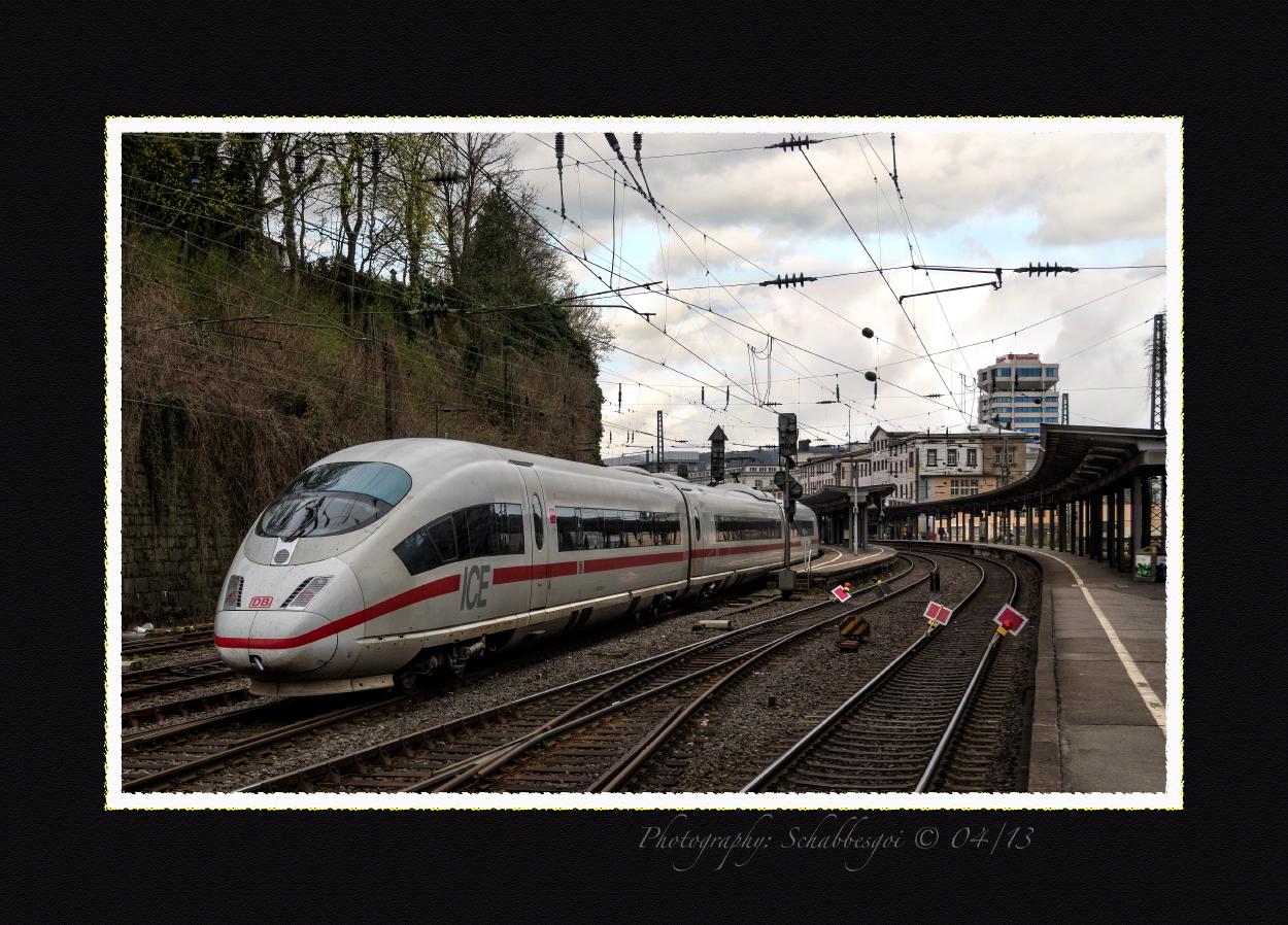 Viel zu lang war der ICE 3 Doppelzug - Leverkusen