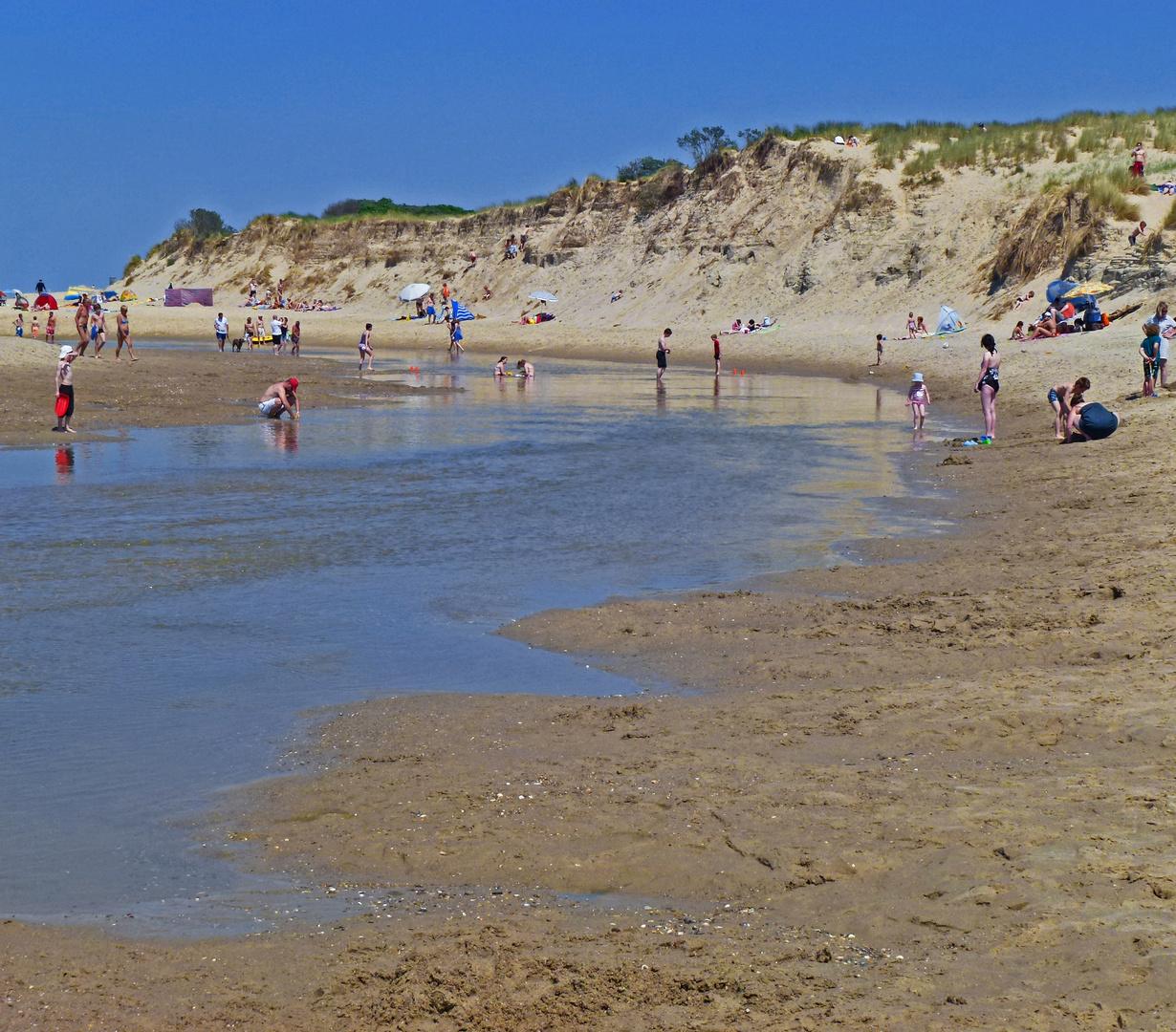 Viele liebe Urlaubs- und Sommergrüße schicke ich euch in eure Sommerurlaube !