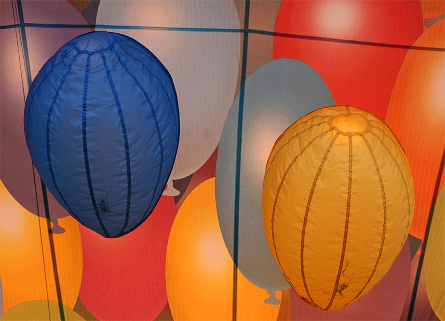 viele, viele bunte Luftballons