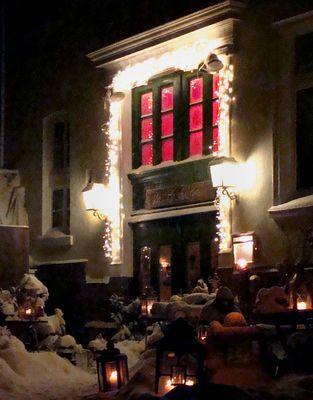 Vielleicht  wohnt  hier der Weihnachtsmann. La Bodega in der Schwelmer Altstadt,  Dez. 2009.