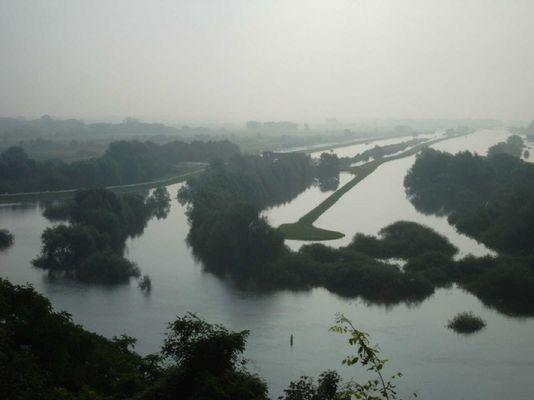 Vier bei Boizenburg Hochwasserstimmung