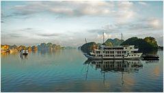 VIETNAM - Baia di Ha Long