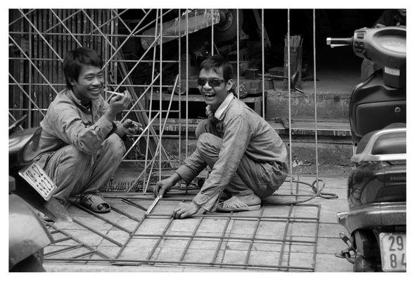 Vietnam - Hanoi - Streetworkers