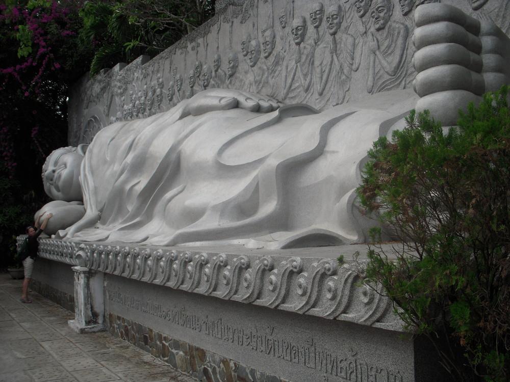 Vietnam : Le bouddha couché de Nha Trang