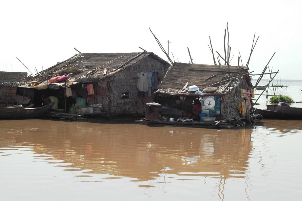 Vietnamiesische Dorf des Tonlé Sap-Sees