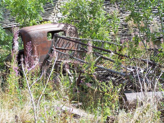 Vieux débris en Lozère