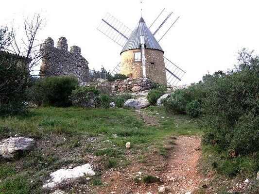 vieux moulin en Minervois, Aude