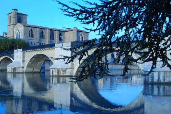 vieux pont romans