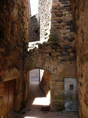 vieux village vigneron de Boudes(63)