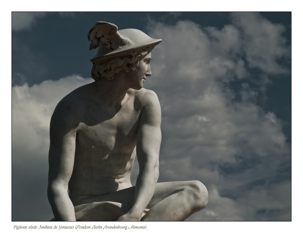 Vigilante Jardines de Sanssouci (Postdam Berlin Brandenburg Alemania)