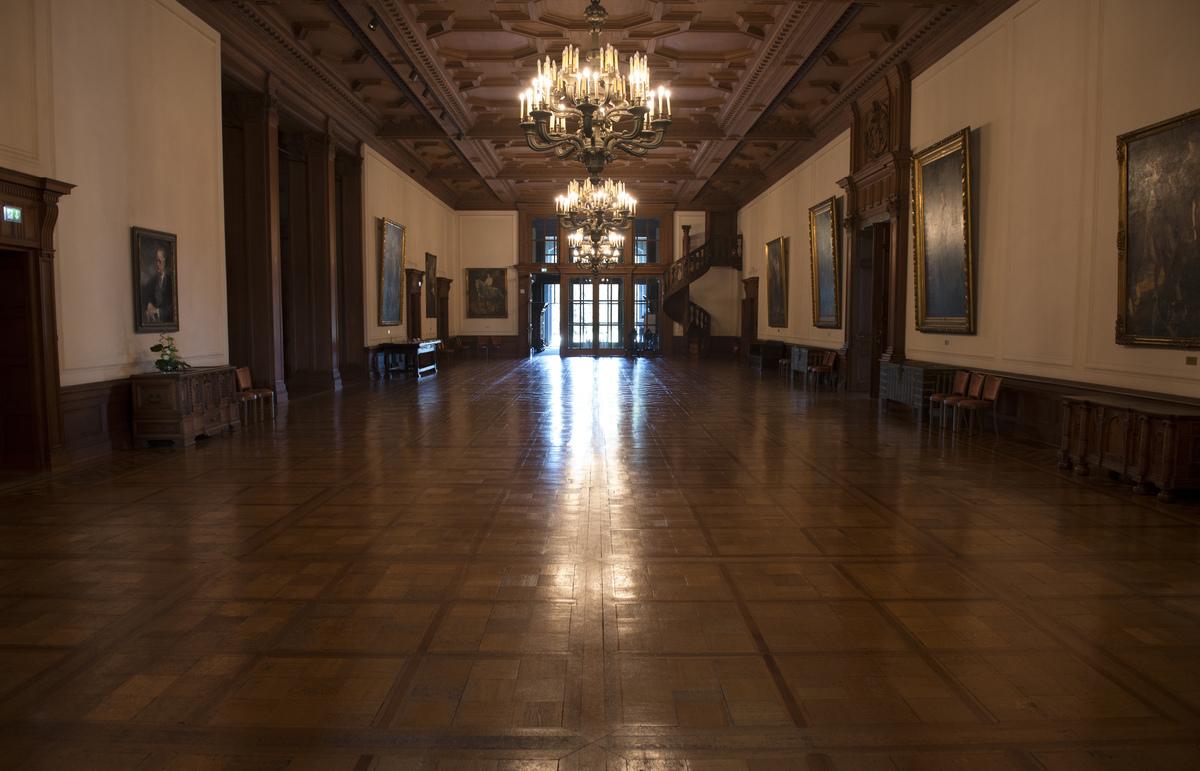~ Villa Hügel - Eingangshalle ~