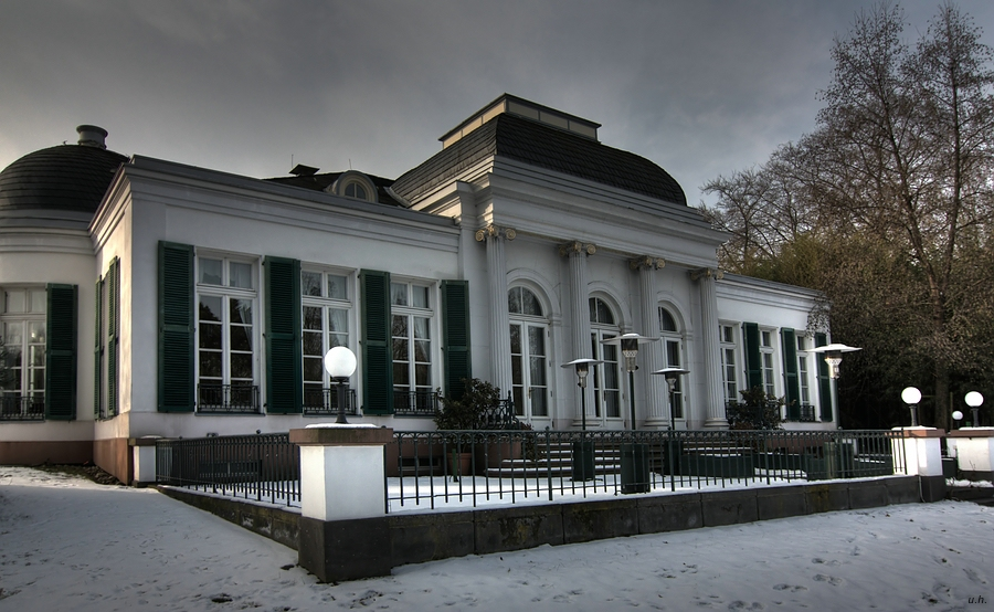 """Villa Leonardi im Winter"""